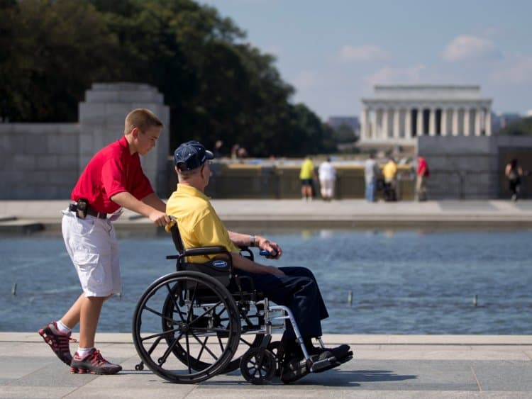 10 Wheelchair-Accessible Activities To Do in Chicago